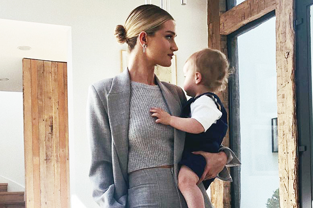 Бизнес-мама: Рози Хантингтон-Уайтли показала новое милое фото с подрастающим сыном