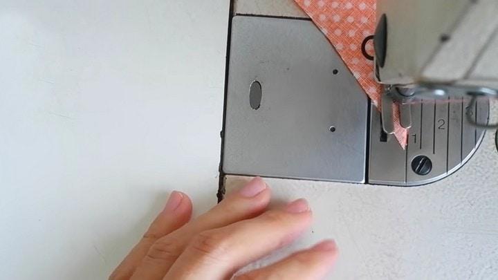 Маленькие хитрости: зачем нужен магнит при шитье, как красиво укоротить лямку ткани, чтобы, конца, проблемой, магнит, потяните, половинки, конец, нужно, проложить, несколько, детали, параллельных, строчек, между, ткань, лямки, неровных, лапку, выворачивания