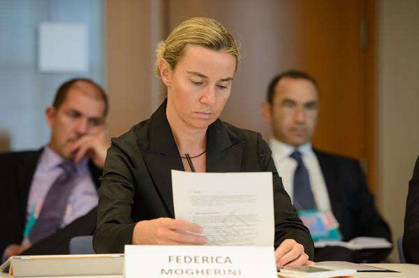 Держаться нету больше сил: доверие ЕС к Украине висит на волоске