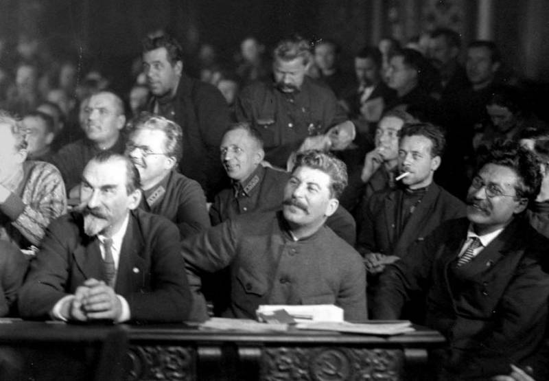 Ожесточенная борьба Сталина за власть в переломные 20-е история