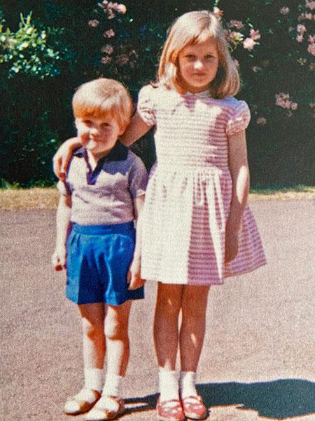 До того, как стала принцессой: 20 детских фотографий Дианы Спенсер Монархи,Британские монархи