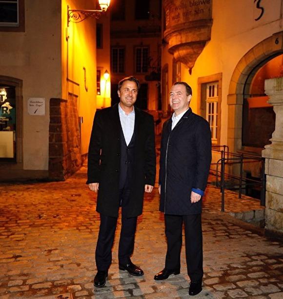 «Местные все в шоке, никогда такого не видели»: Кортеж Медведева парализовал центр Люксембурга