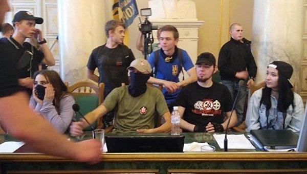 Во Львове  боевик-участник штурма облсовета отделался домашним арестом