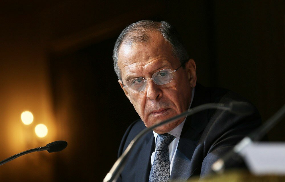В «младших братьях» россияне быть не намерены