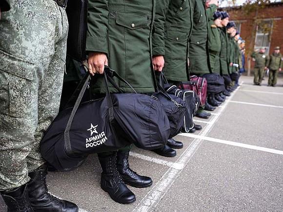Пока не мобилизация: По приказу Путина россиян, пребывающих в запасе, соберут на военные сборы