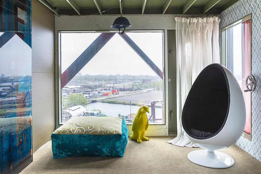 Самый известный безумный отель Амстердама