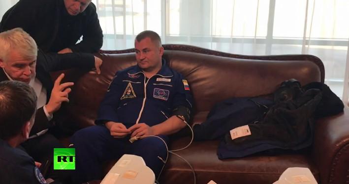 Первое видео с Овчининым и Хейгом после аварийной посадки корабля «Союз МС-10»