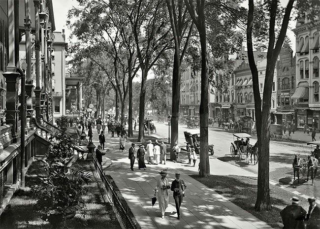 Улица в Саратога-Спрингс, Нью-Йорк, 1915 интересно, исторические кадры, исторические фото, история, ретро фото, старые фото, фото