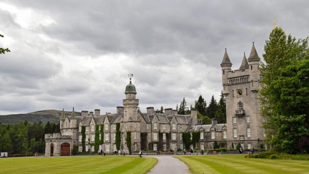 В каком замке проведет отпуск королева?