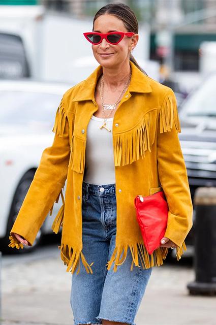 Ковбои и не только: 3 классных идеи, как этой осенью носить бахрому — самую модную деталь сезона Новости моды
