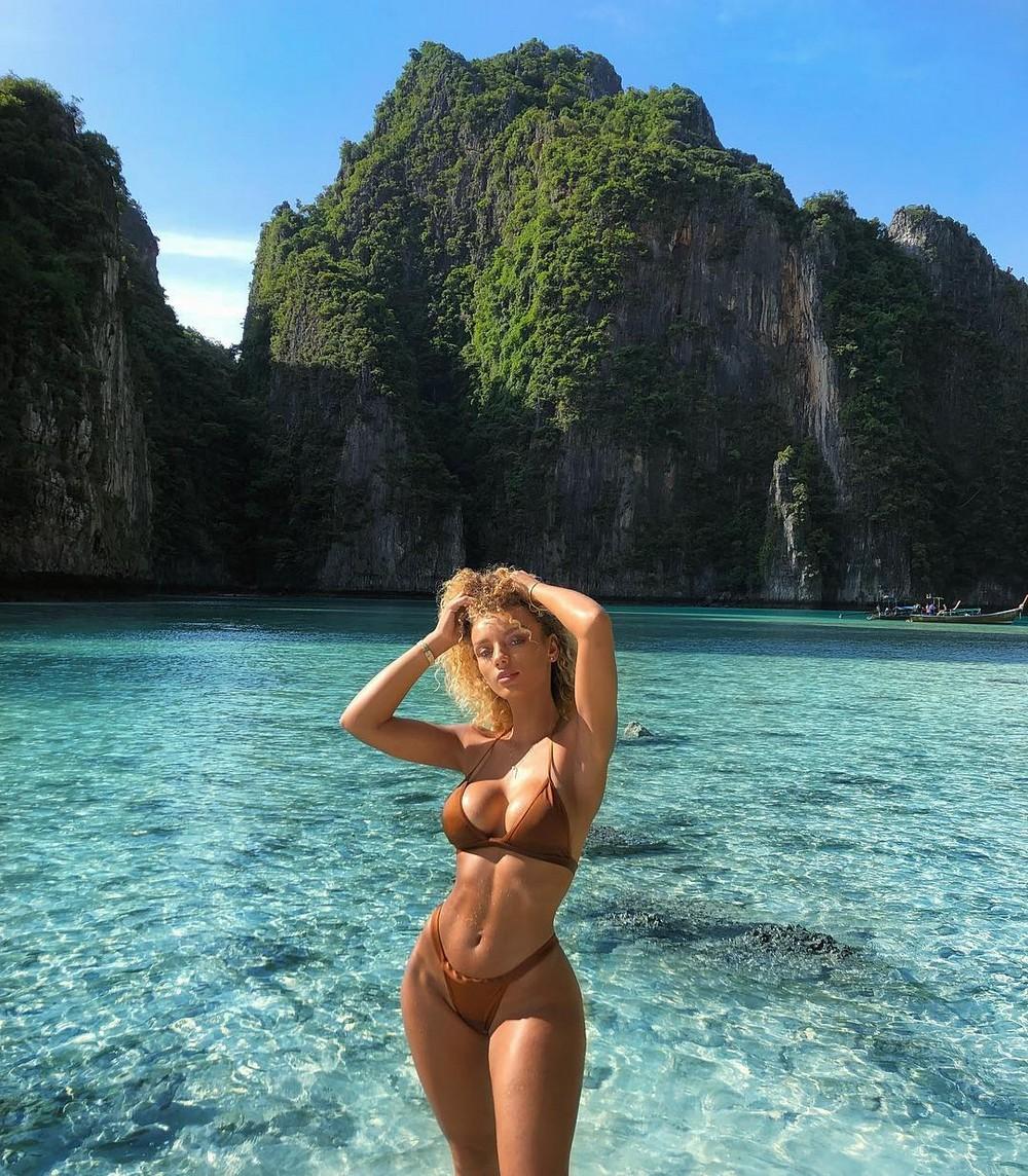 Уже скоро: лето, солнце, море, пляж и стройные девушки в бикини! девушки