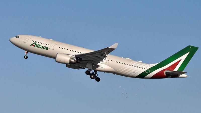 Крупнейшая итальянская авиакомпания Alitalia прекращает свою деятельность из-за банкротства Общество
