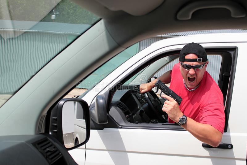 Дорожные понты: как вести себя с агрессивными водителями