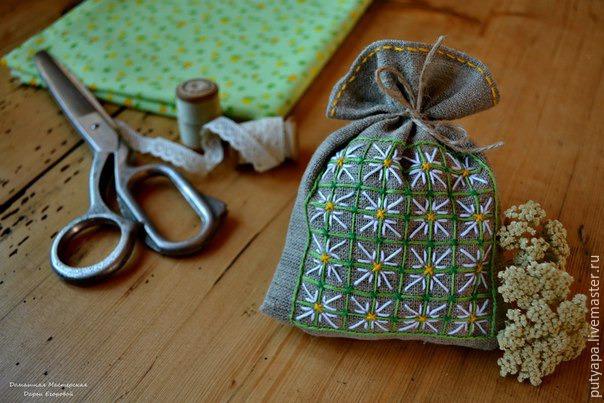 Вышивка в технике «Декоративная сетка»
