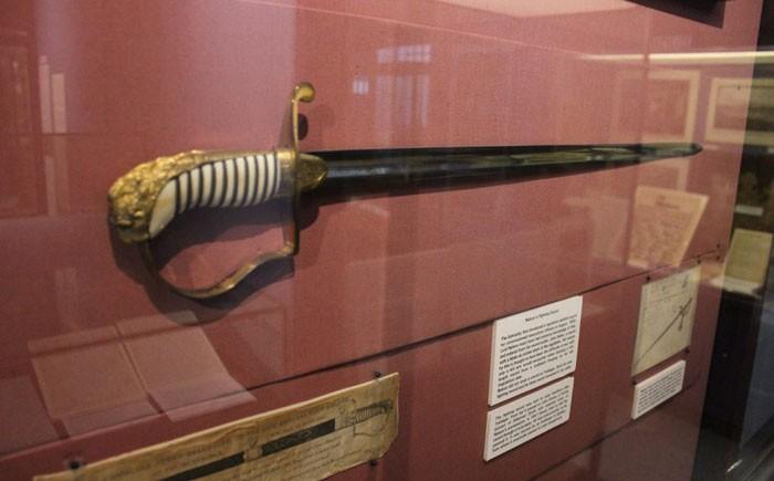 10 самых дорогих предметов старинного оружия, когда-либо проданных нааукционе интересные факты,история,факты