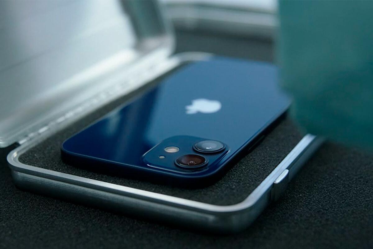 Фирменная зарядка Apple MagSafe для iPhone 12 оказалась слишком медленной