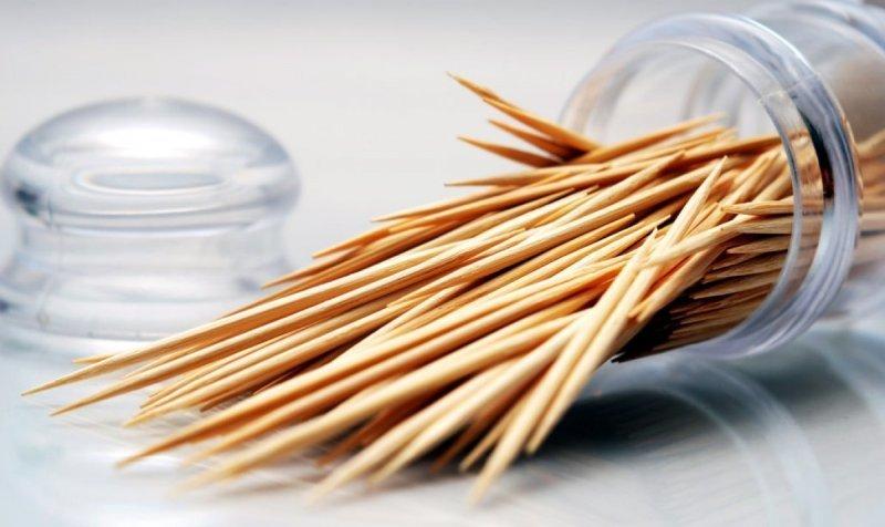 9 полезных вещей, которые можно сделать с помощью обычной зубочистки