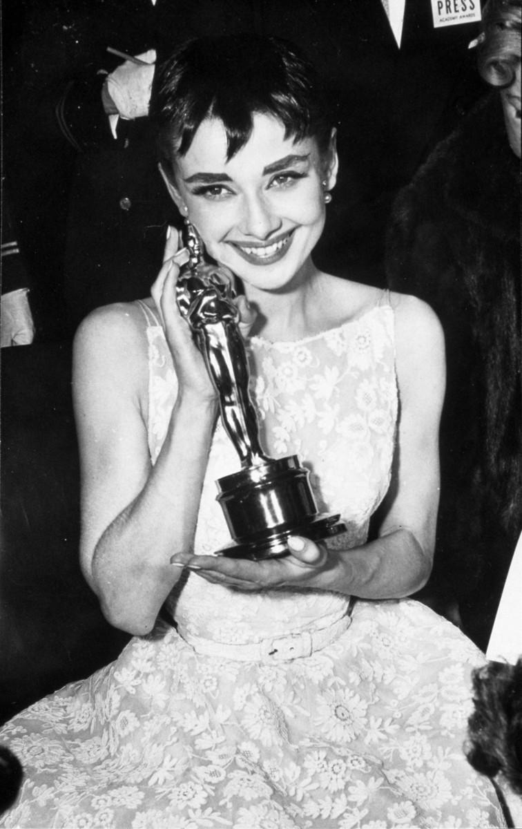Одри Хепберн — 90: самые красивые кадры с величайшей актрисой