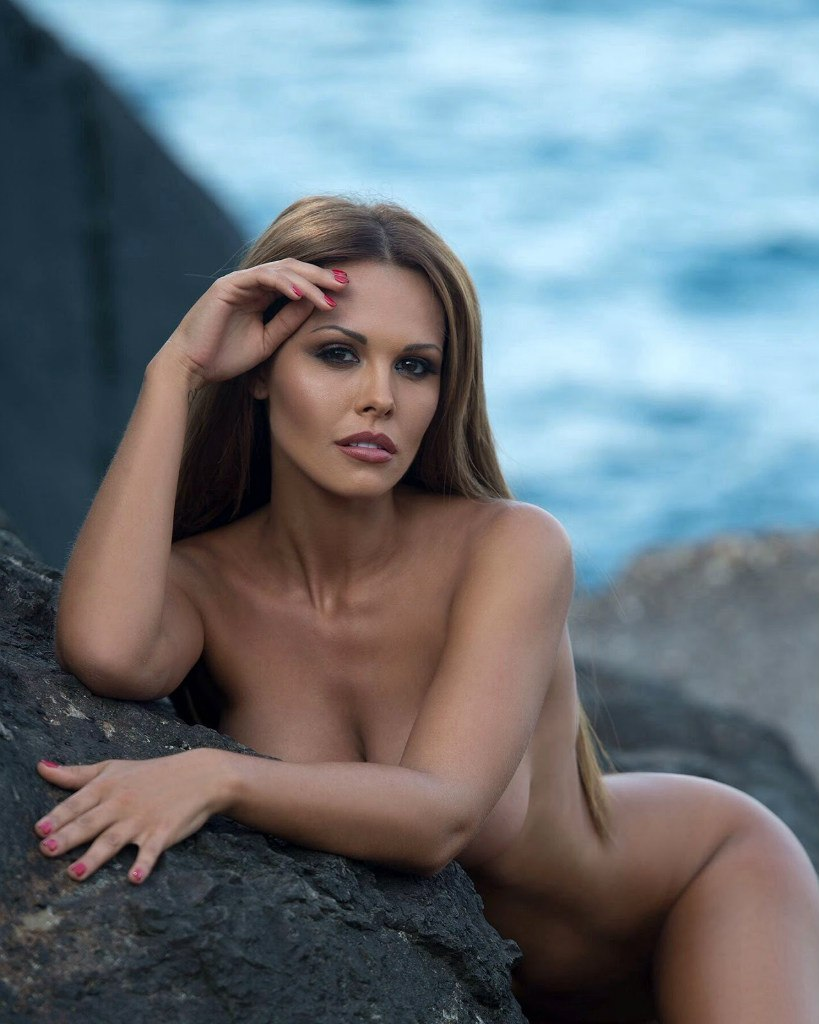 голи фото актриса россией и порно сделать это