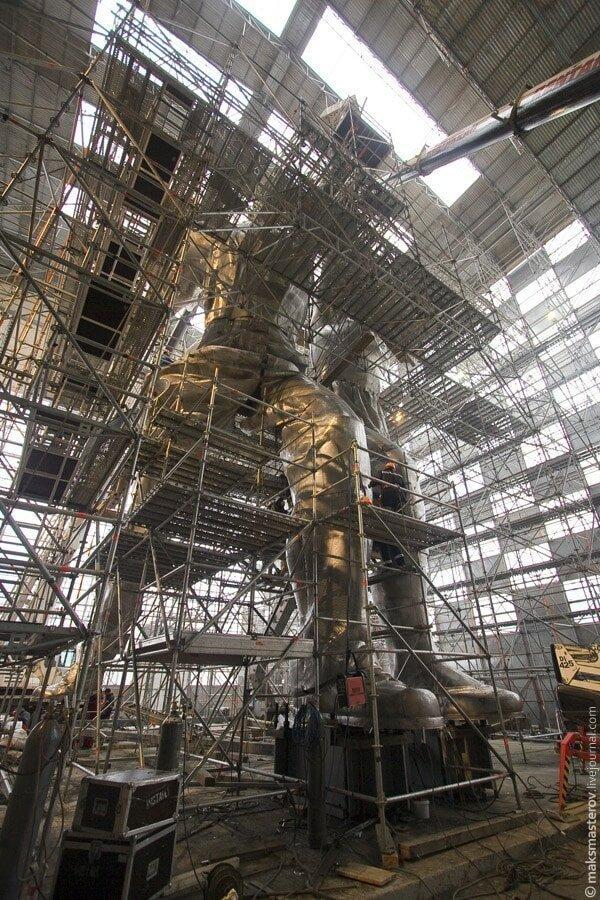 Высота монумента — около 25 метров Рабочий и колхозница, внутри, интересно, монумент, статуя