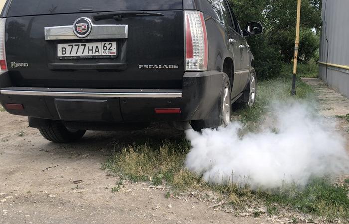 Как опытные перекупы определяют состояние мотора машины по выхлопной трубе