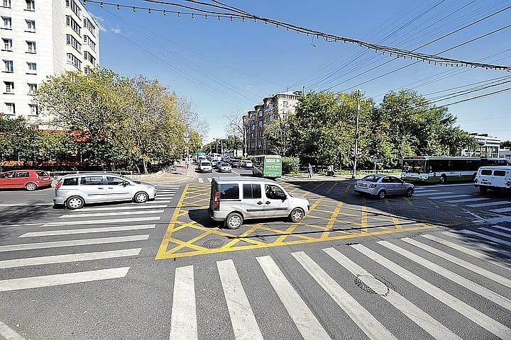 СМИ: На дорогах России появится новая разметка – желтая и синяя