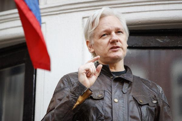 Ассанж в России, истерика у США обеспечена - интернет наводнился слухами о его обмене