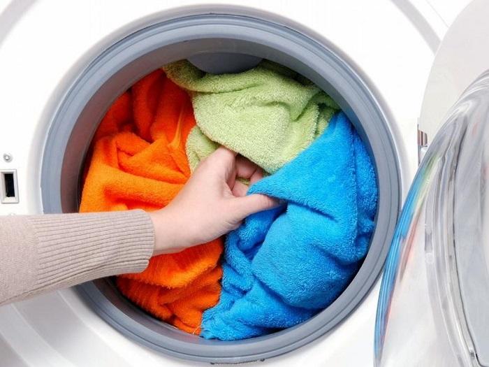 Верные способы, чтобы махровые полотенца были мягкими, а не жесткими, как наждачка полотенца, изделия, стирать, можно, следует, махровые, мягкость, полотенцам, полотенец, которые, плохо, будут, после, которое, средства, поможет, стиральной, стирки, вернуть, свойства