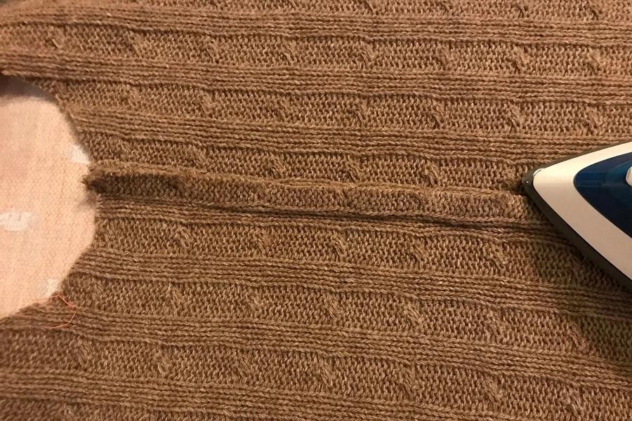 Обработка припусков швов в изделии из объемного вязаного трикотажа вязаные изделия,одежда,рукоделие