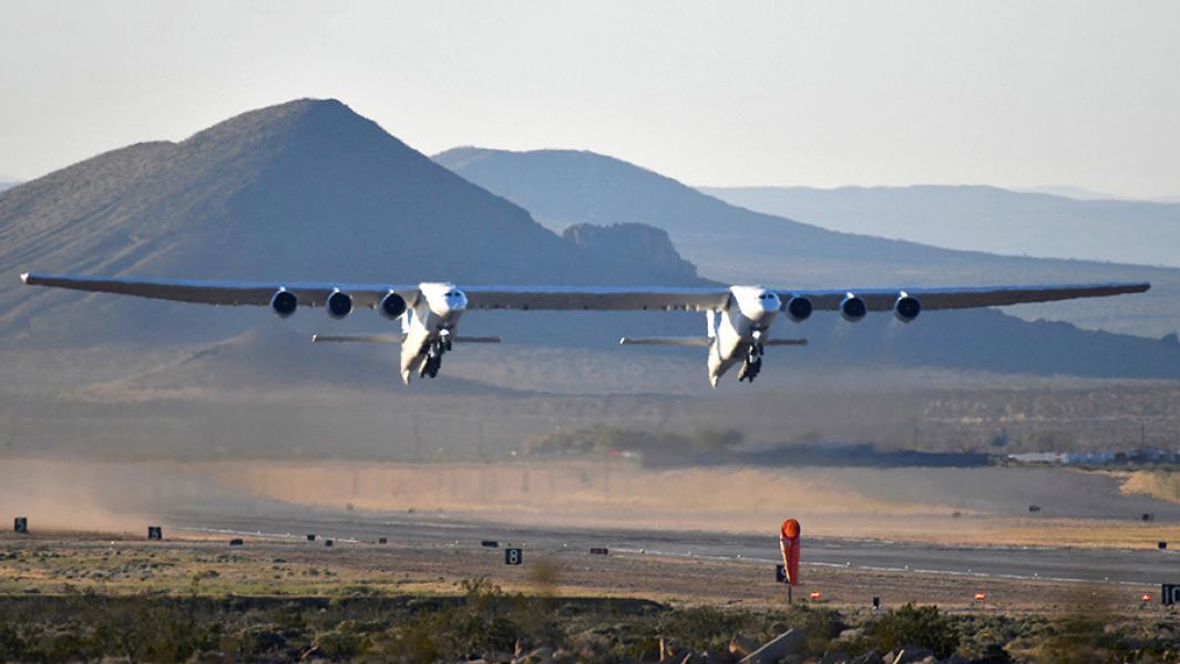 Белый слон: на что способен самолет с самым длинным крылом в мире