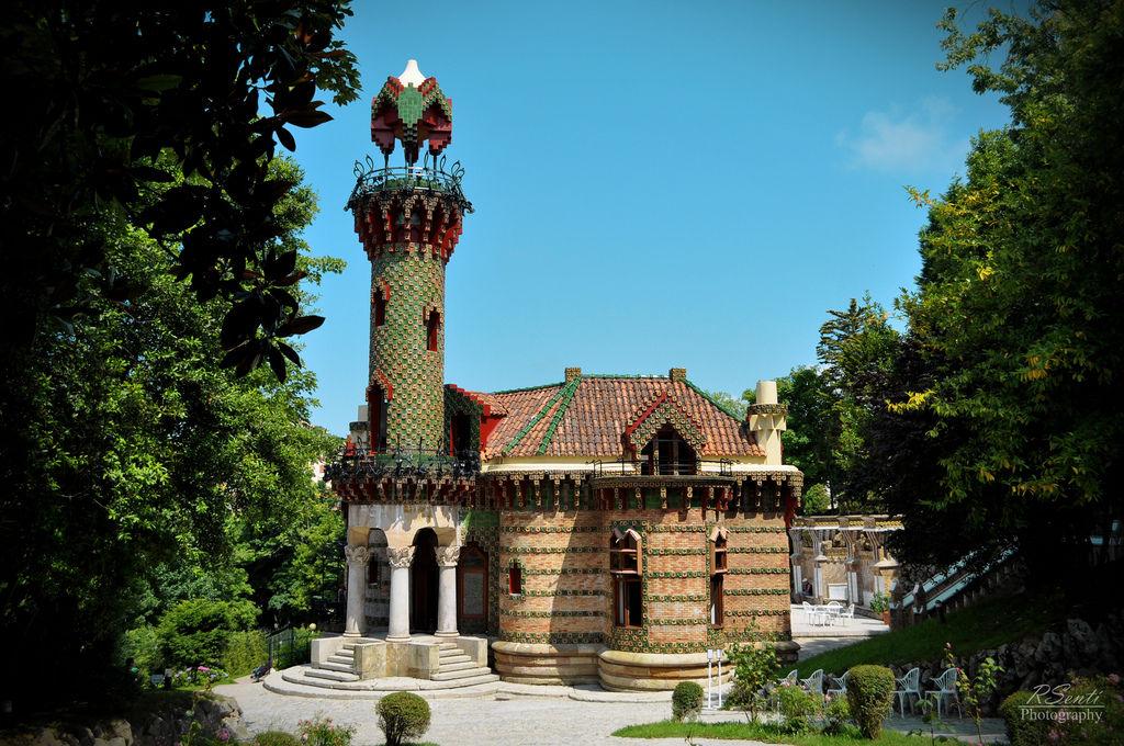 Capricho de Gaudí 01