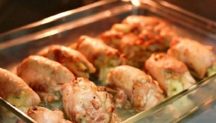 Блюдо отправить на 10 минут в духовку.