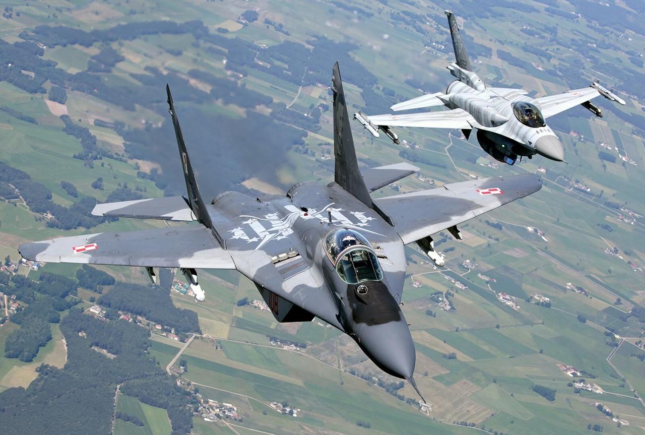 Чужие и похожие. В чем F-16 и МиГ-29 не уступают друг другу