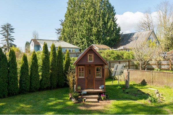 Ее новый дом площадью всего 8 квадратных метров!