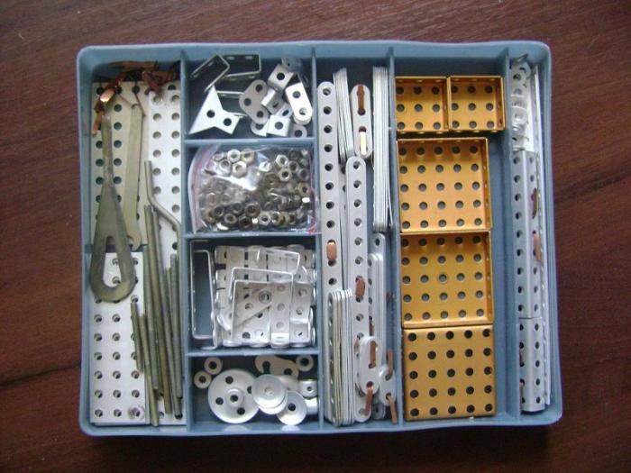 Тяжелое детство, конструктор из металла. |Фото: skylots.org.