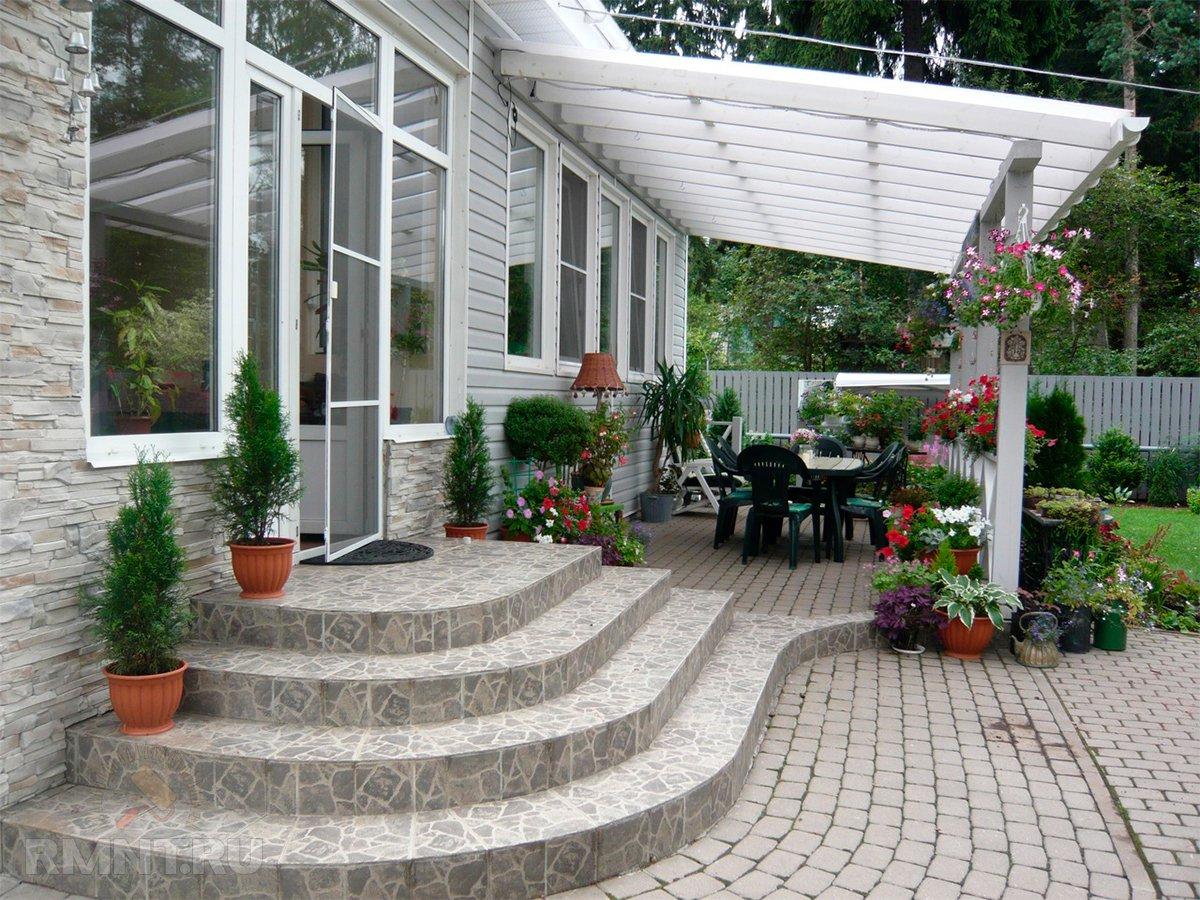 Фото веранды вдоль дома