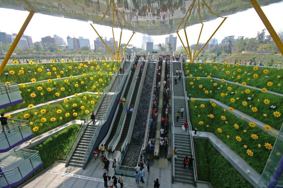 Удивительные и прекрасные станции метро в разных городах мира