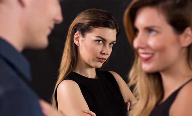 Психологи рассказали, как конкурируют женщины между собой, когда пытаются привлечь мужчину составили, женщин, список, психологи, женщины, партнер, потенциальный, когда, принадлежит, рукам, плечам, привлечь, ситуации, поведение, понять, прикасаться, шутками, грудиСамыми, смеяться, смотрит