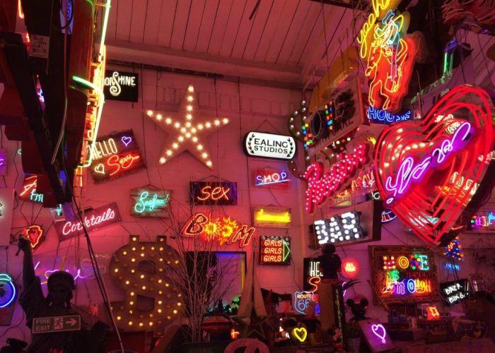 God's Own Junkyard. / Фото: www.aboutlondonlaura.com
