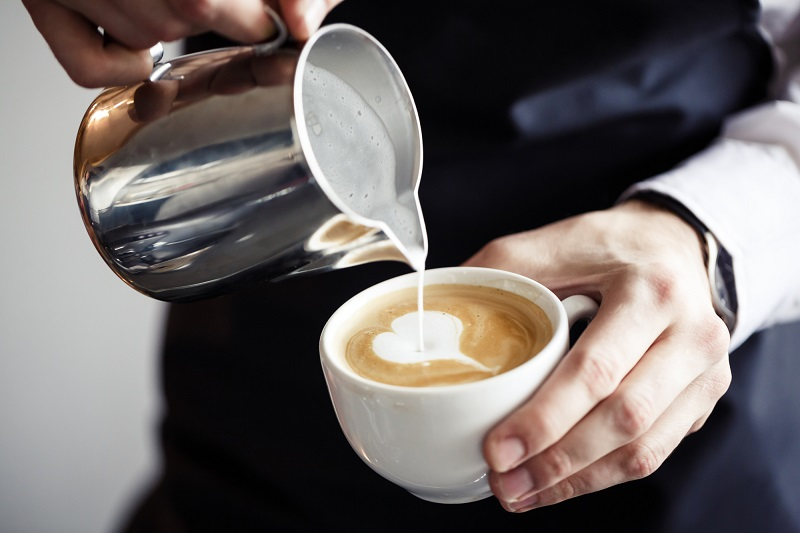 Можно ли пить кофе с молоком