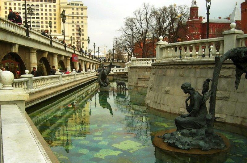 Река, от которой не удалось избавиться болото, большой театр, загадки, пожар, таинственное место, тайны