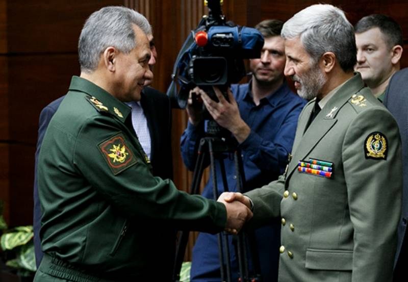 «Отрезвить горячие головы»: эксперт о маневрах России и Ирана