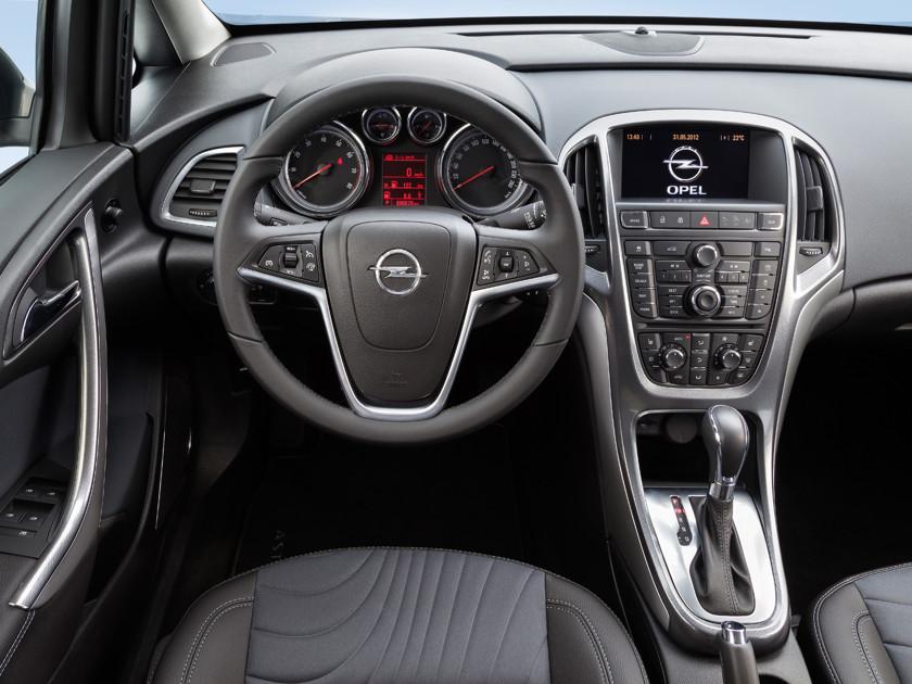 Богатое наследство: как выбрать Opel Astra на вторичном рынке автомобили,водители