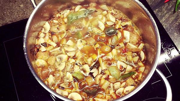 «Том Ям Кунг»: тайский кокосовый суп