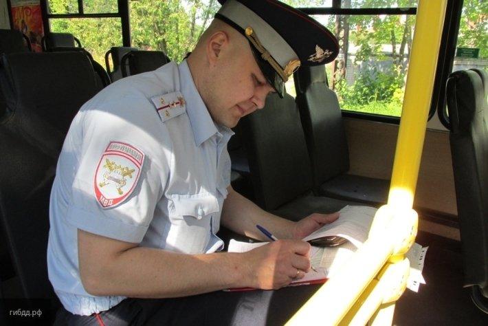 В Сети появилось видео, как троллейбус протаранил семь автомобилей в Кемерово