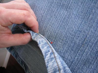 Как укоротить джинсы и сохранить фабричный шов мастер-классы,одежда,полезные советы,разное,шитье