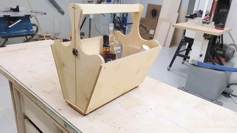 Компактная переноска-трансформер из фанеры