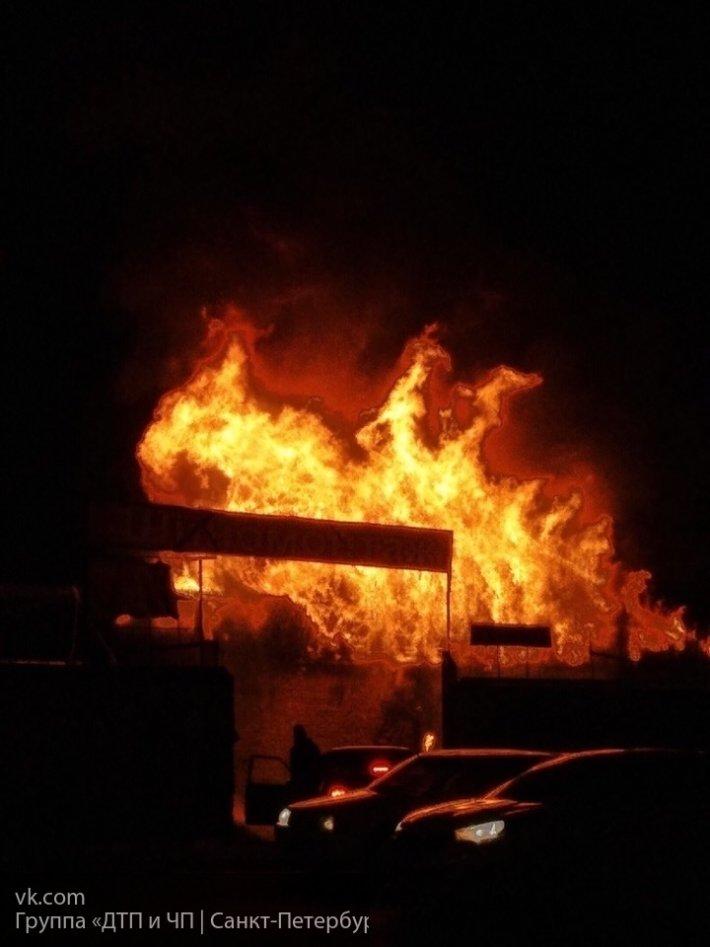 В Улан-Удэ сгорел продовольственный склад