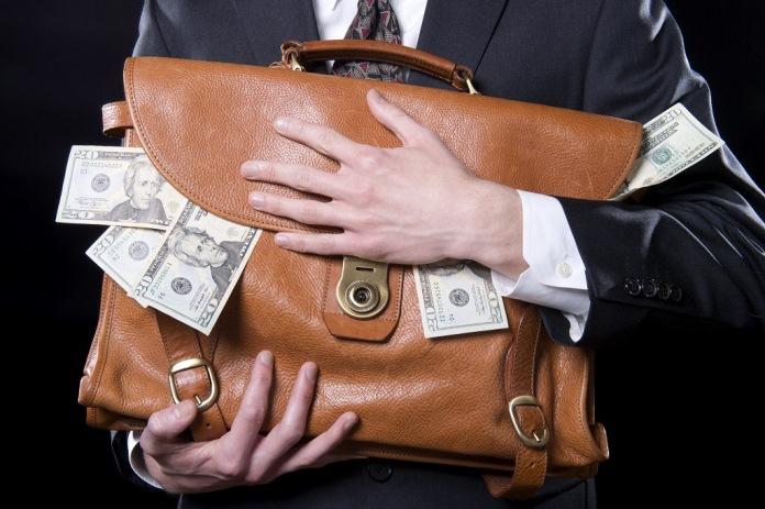 Если муж – Плюшкин, или Как жить со скупцом