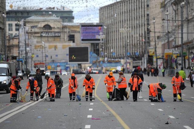 «Мести не плохо, плохо не мести». Сколько можно заработать, убирая улицы?
